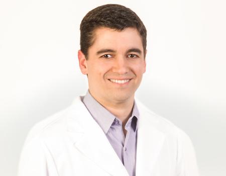 Dr. André Luís Fortes Alves